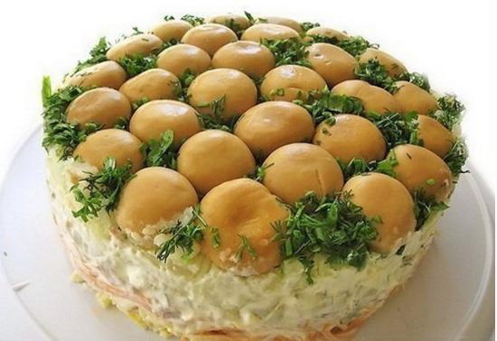 Рецепты слоеных салатов. Грибная полянка