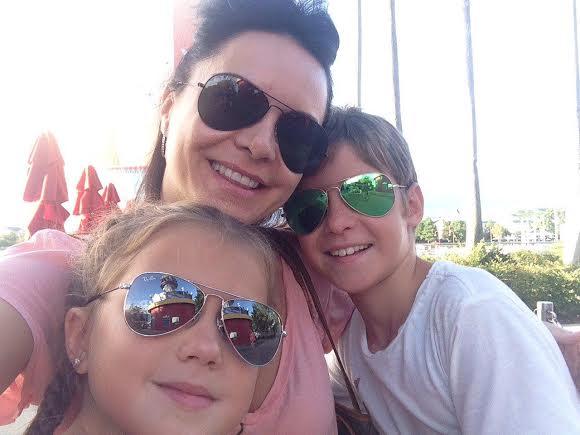 Лилия Подкопаева с детьми
