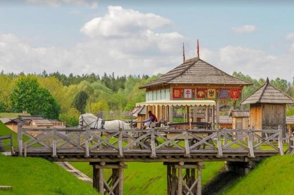 парк киевская русь экипаж