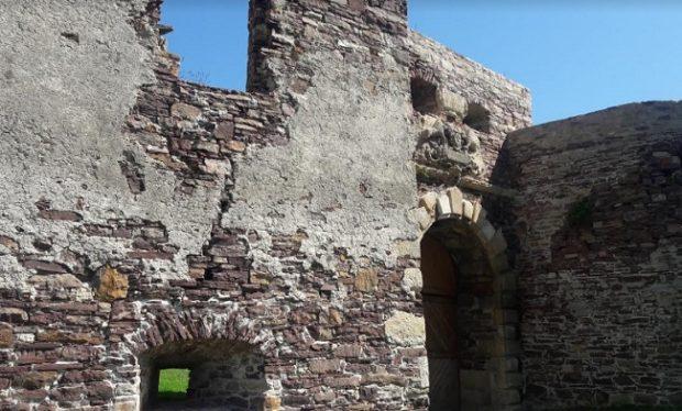 Подзамочек замок